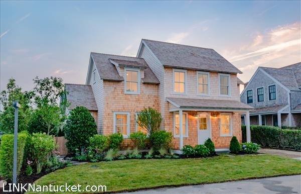 14 Delaney Road, Nantucket, MA | BA:  3.1 | BR: 4 | $3995000 (1)