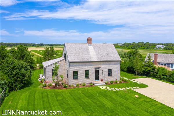 7 Golfview Drive, Nantucket, MA | BA:  3.1 | BR: 3 | $2250000 (1)