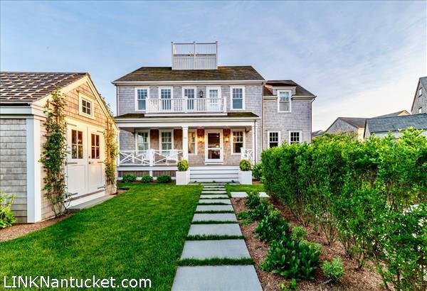 66 Walsh Street, Nantucket, MA | BA:  4.2 | BR: 6 | $7575000 (1)