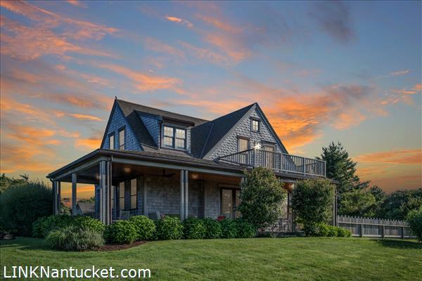 14 Wood Hollow Road, Nantucket, MA | BA:  5.2 | BR: 5 | $2350000 (1)