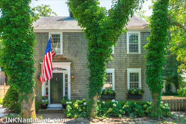 7 Green Lane, Nantucket, MA | BA:  4.2 | BR: 5 | $2495000 (1)